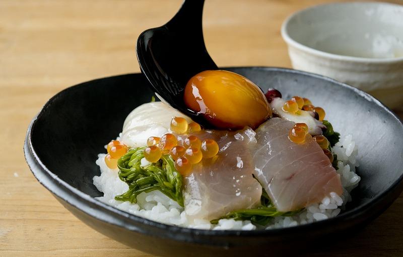 たまご醤油で斉吉海鮮丼3