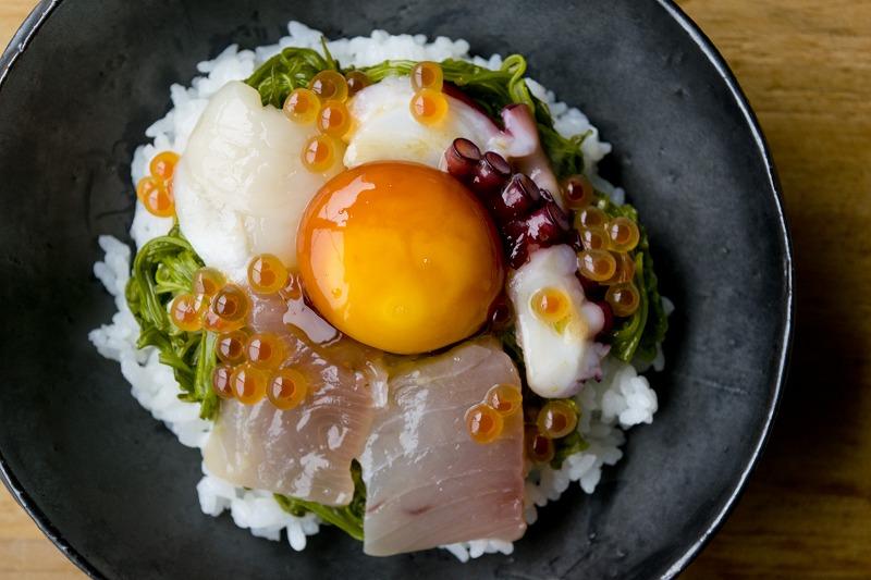たまご醤油で斉吉海鮮丼2